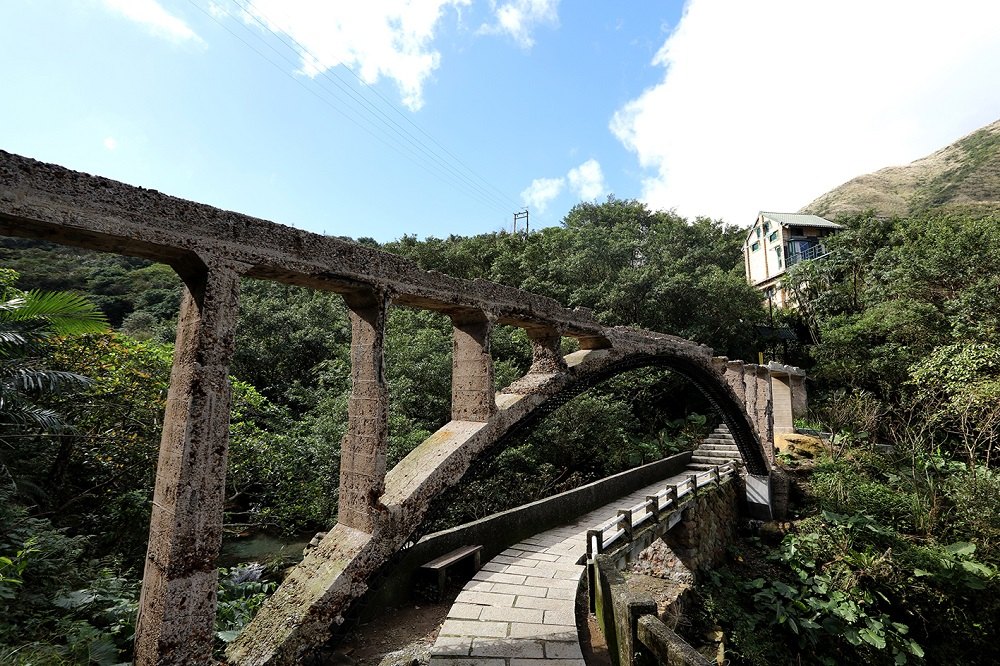 Jinguashi Mining Aqueduct and Bridge